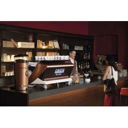 Ekspres kolbowy w  kawiarni gaggia milano la reale