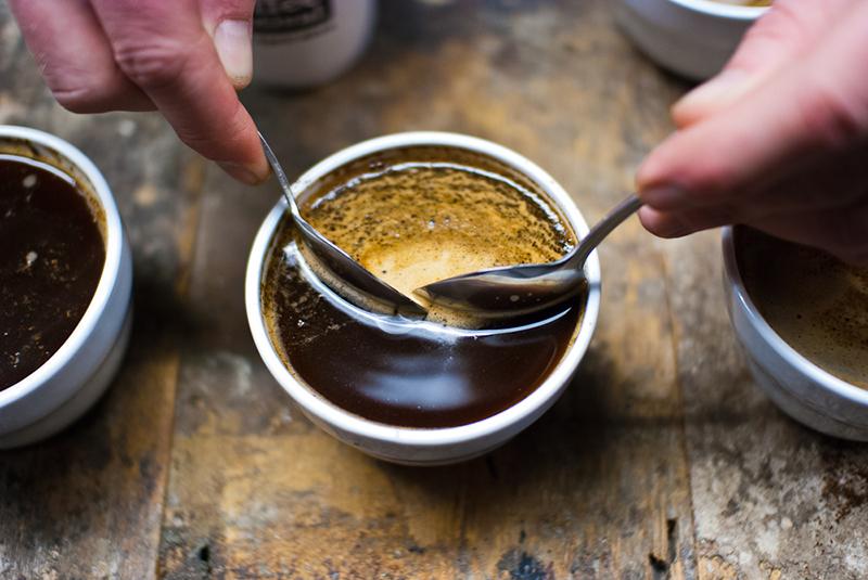 kwasowość kawy cupping